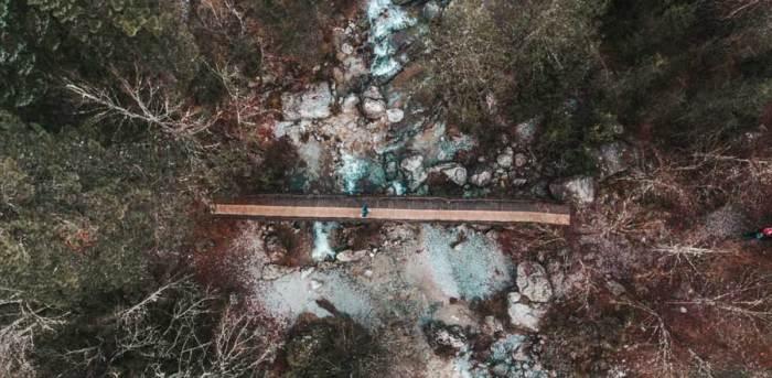 Χειμωνιάτικος Ενιπέας Γέφυρα Βουνό