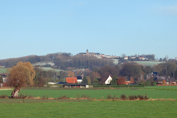 Le Mont-Saint-Aubert surplombe la plaine de l'Escaut - crédit photo : tournai-bed-breakfast.be