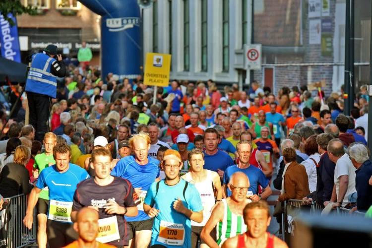 Zwolse halve marathon hardloopwedstrijden