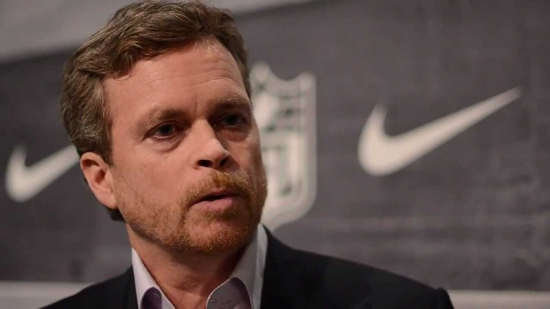 Nike CEO Mark Parker to step aside in wake of Salazar ban - Canadian Running Magazine