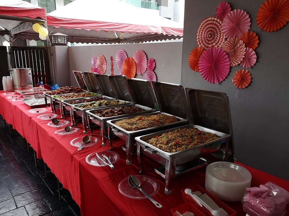 runningmen catering pre-wedding event footage with buffet line setup