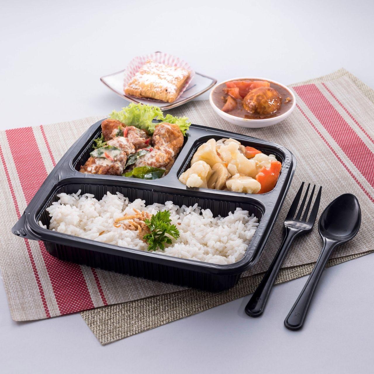 runningmen catering bento box steam rice with salted egg chicken