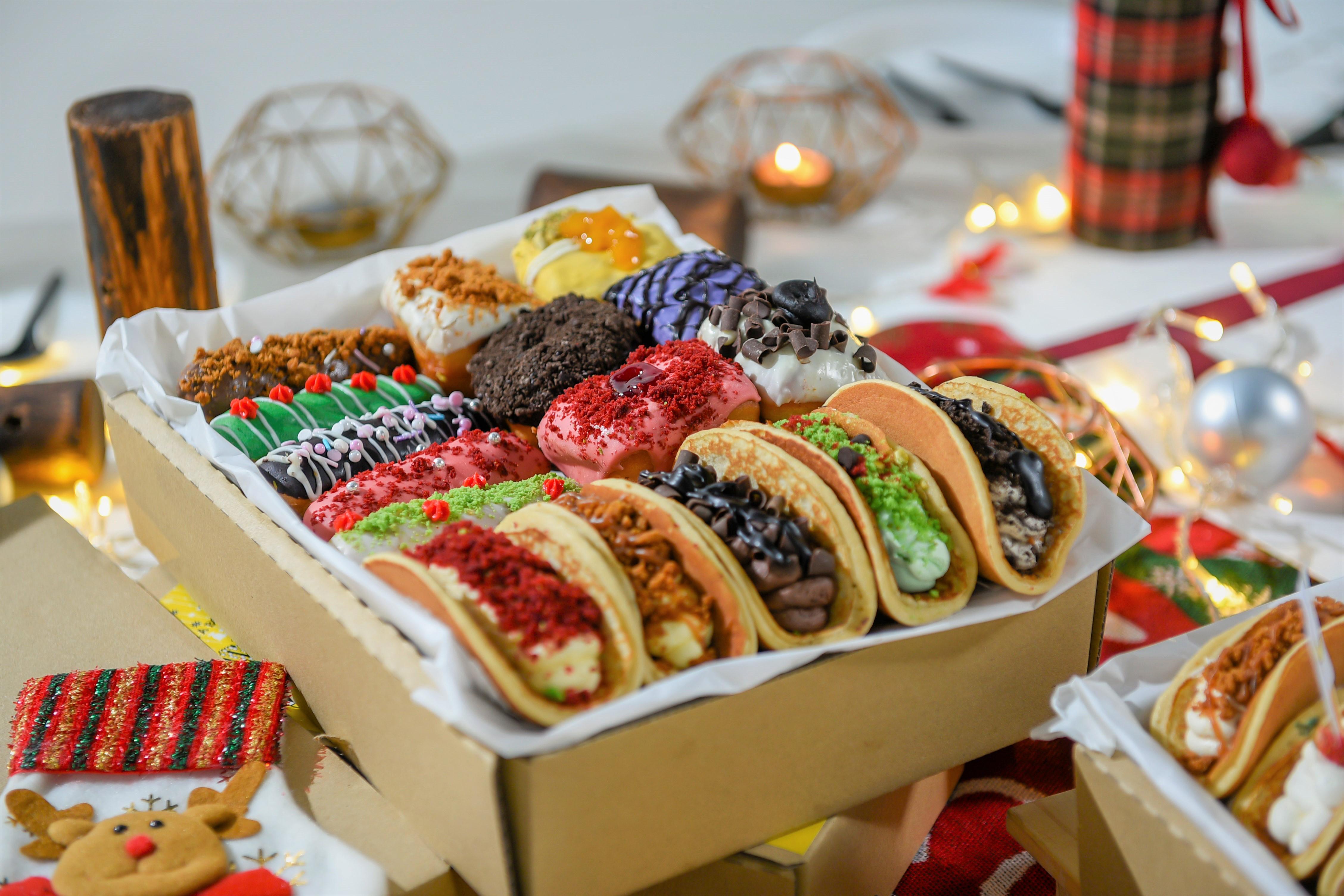 runningmen catering christmas 2020 foodie box eclair and doraemon pan cake slice