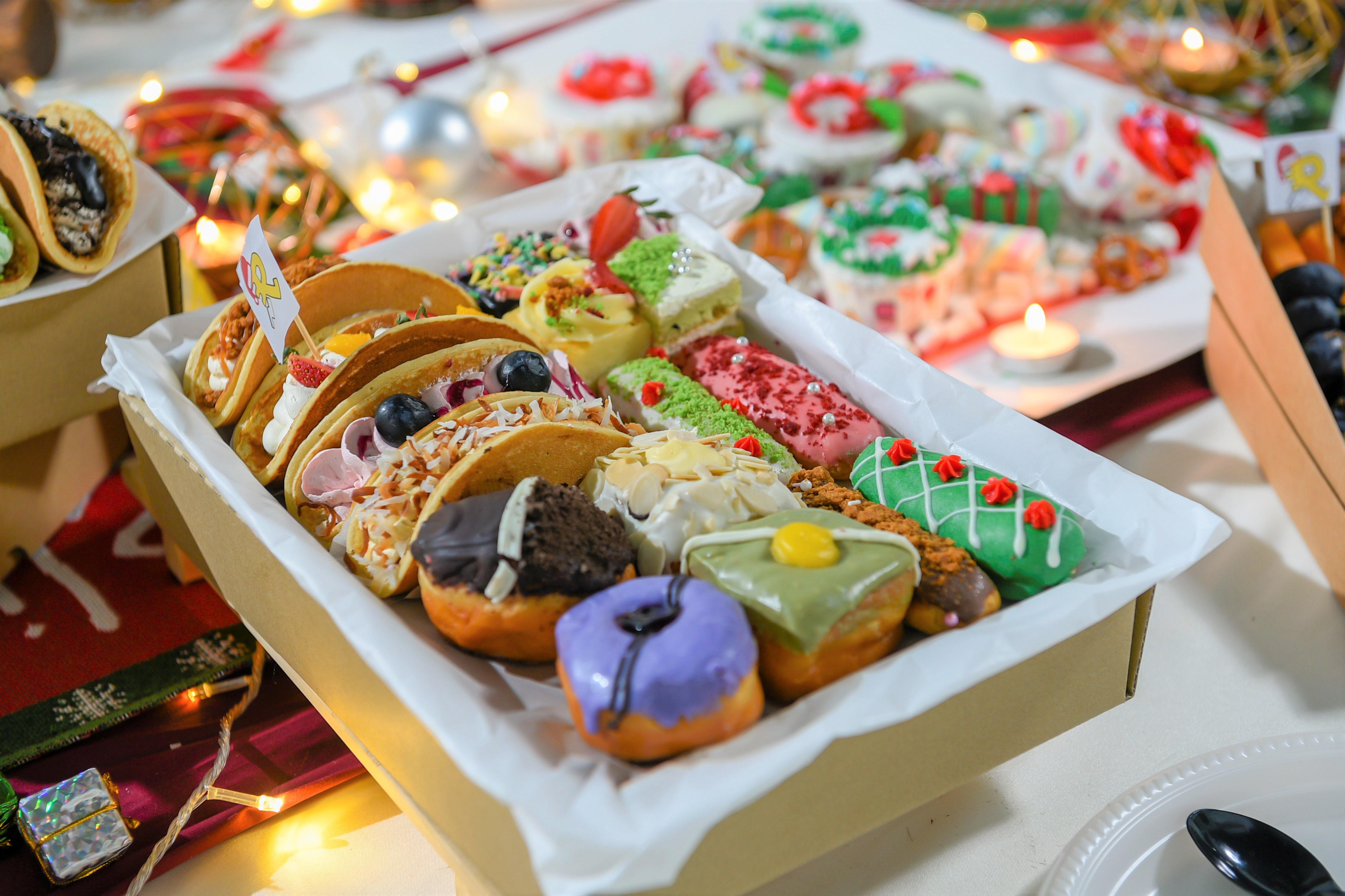 runningmen catering christmas 2020 foodie box assorted doughnut