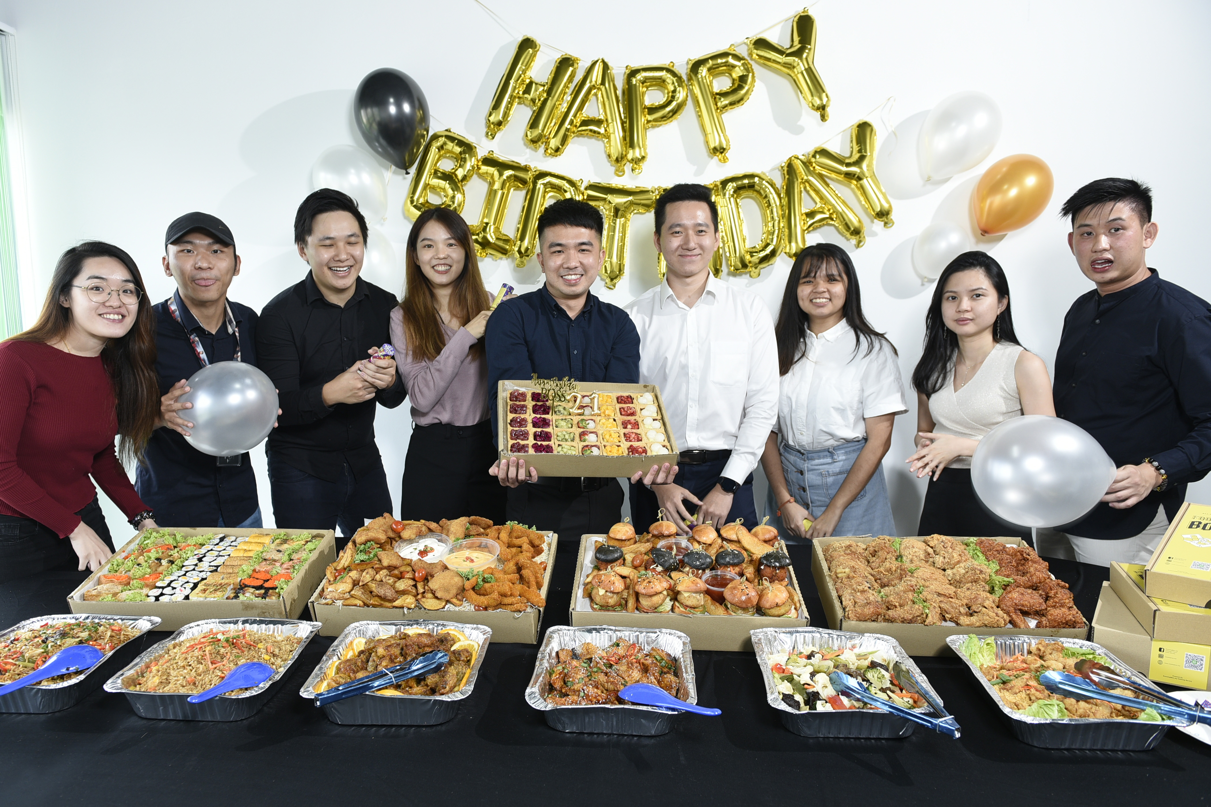 runningmen catering foodie box happy birthday party group photo with catering food