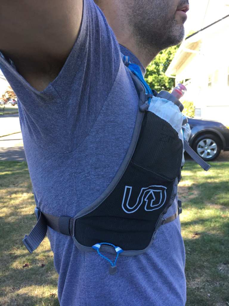 Ultimate Direction SJ Ultra Vest 3 Right Side Under arm