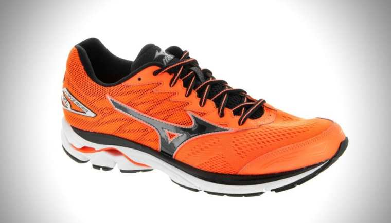 Mizuno Waverider20 Featured