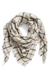 scarf-black:whitecheck