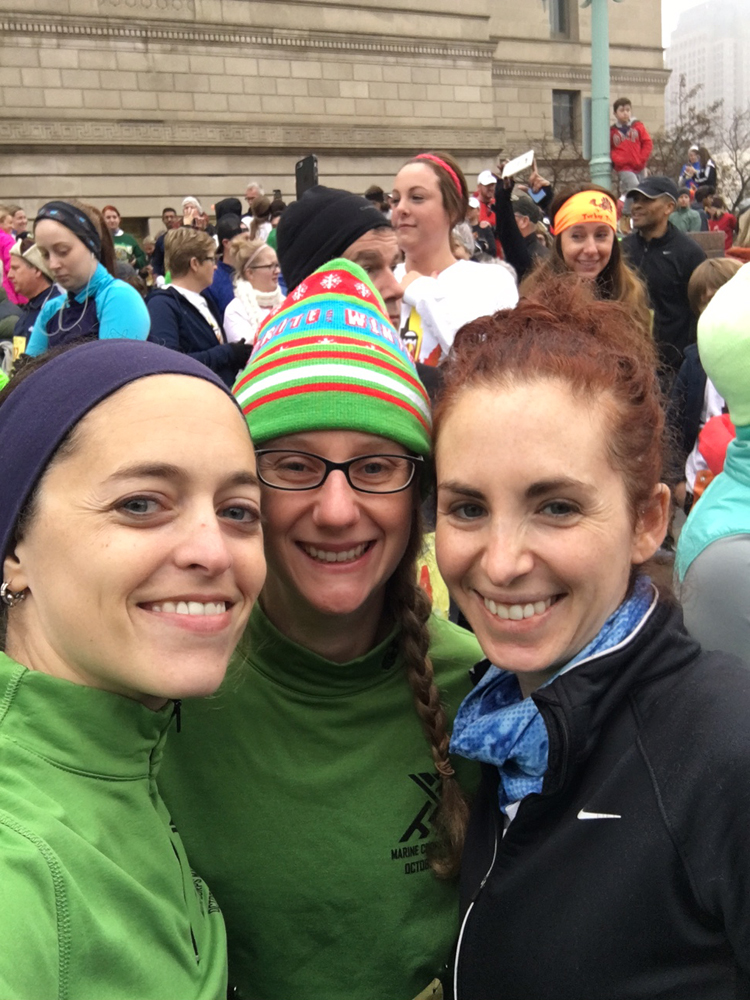2016 Cleveland Turkey Trot Race Recap + Review | Running on Happy