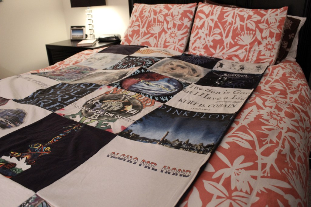 A t-shirt quilt from Project Repat makes a great holiday gift :)