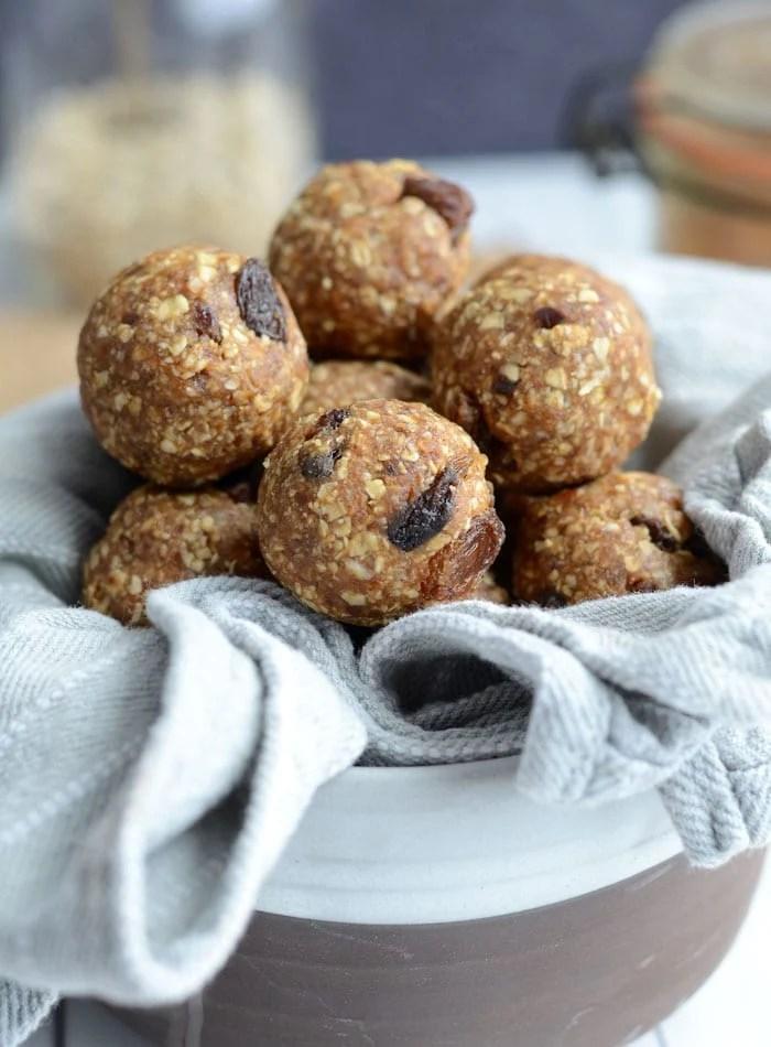 Healthy Oatmeal Raisin Cookie Dough Bites - Raw, Vegan, Gluten-Free
