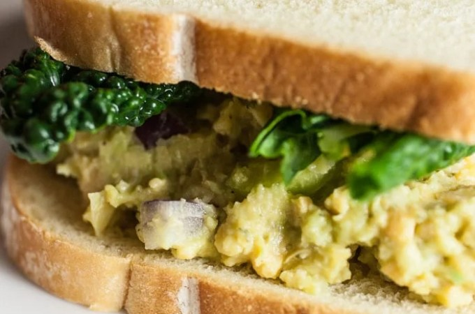 Vegan Tuna Salad Sandwich with Avocado and Chickpea