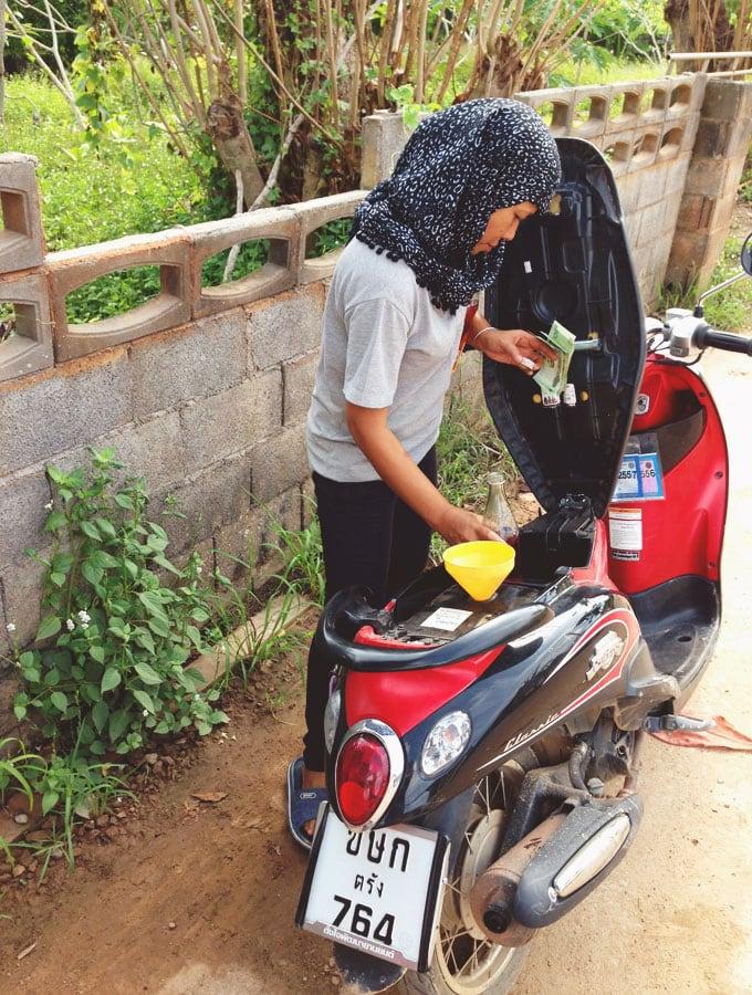 getting-gas-koh-lanta-thailand