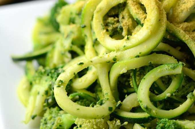 Low Fat Vegan Pesto Zoodles with Broccoli