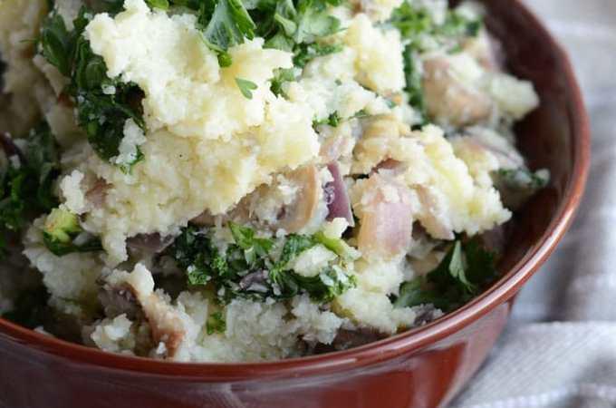 Vegan Mashed Cauliflower with Kale and Mushroom