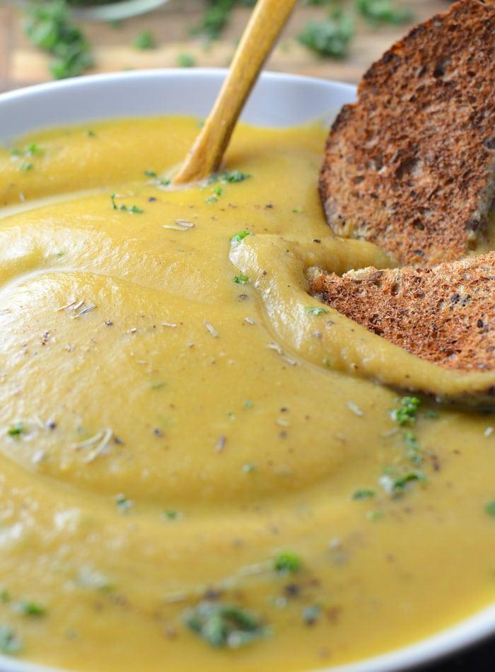 Creamy Roasted Garlic Cauliflower Soup - Vegan, Low Fat, Healthy