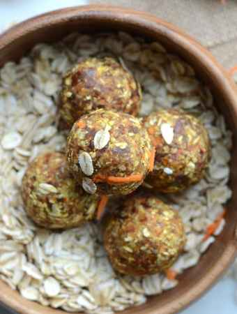 Raw Vegan Carrot Cake Energy Balls