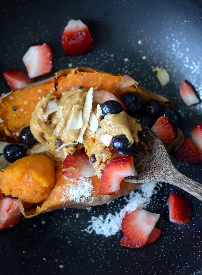 How to Make Sweet Potato Breakfast Bowls with Peanut Butter and Berries | vegan, gluten-free