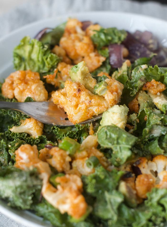Buffalo Cauliflower Kale Salad with Avocado, Tahini and Vegan Parmesan | healthy, vegan and gluten-free