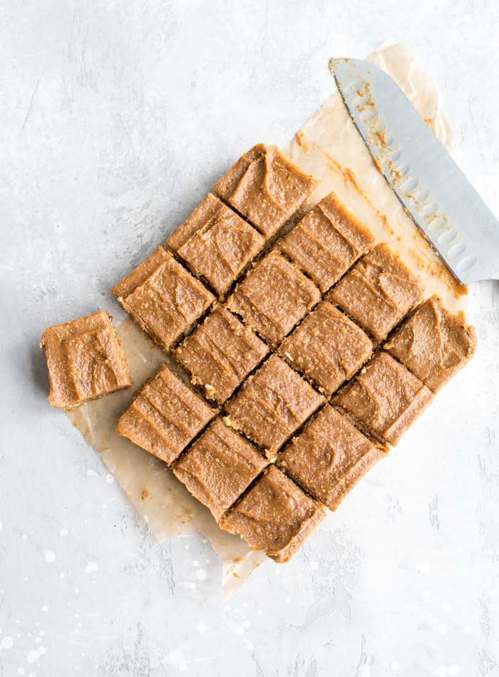 Vegan No-Bake Peanut Butter Blondies with Peanut Butter Frosting | an easy to make, gluten-free, refined sugar-free vegan dessert recipe with just a few basic ingredients
