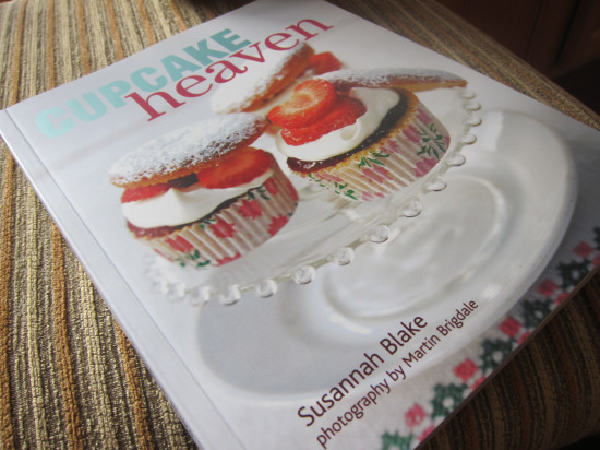 12.25 Anthropologie cupcake book2
