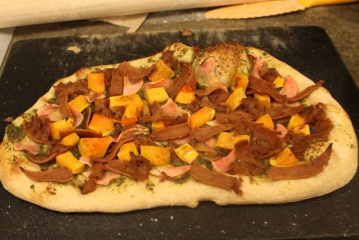 upton's seitan bacon pizza