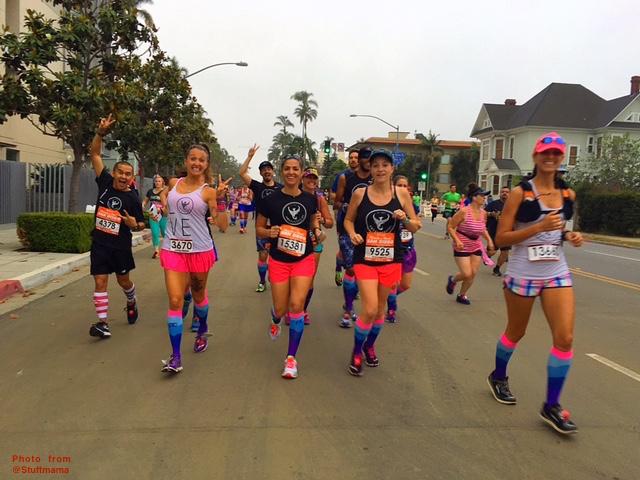 we run social, procompression, waves, Start Line, San Diego Rock n Roll, RNRSD, Half Marathon, Marathon, keep it tight, socks