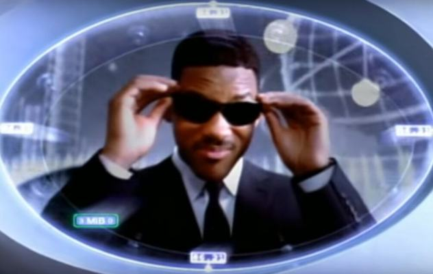 Will Smith sings the Men In Black Theme song