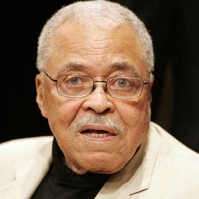 Lion King Mufasa voice James Earl Jones