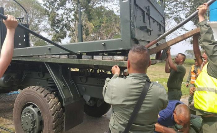 militares transportaban droga en vehículo militar