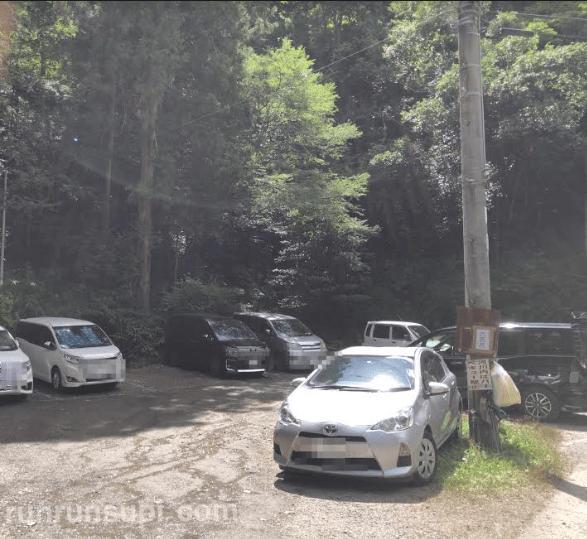 多度峡天然プールの駐車場