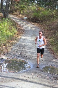 Nick Roosa heading into the final half mile of Run The Farm 2014. (Photo by Carol Gordon)