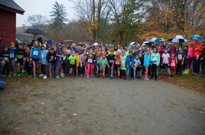 Kids Run The Farm 7-12 year old age group getting ready to start (photo by Rob Cummings)