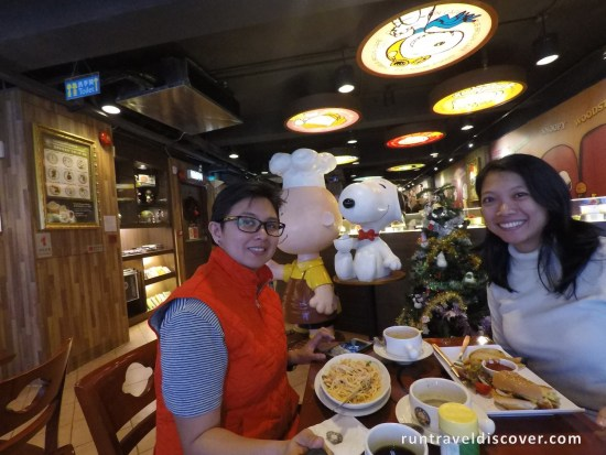 Hong Kong City Tour - Charlie Brown Cafe Lunch