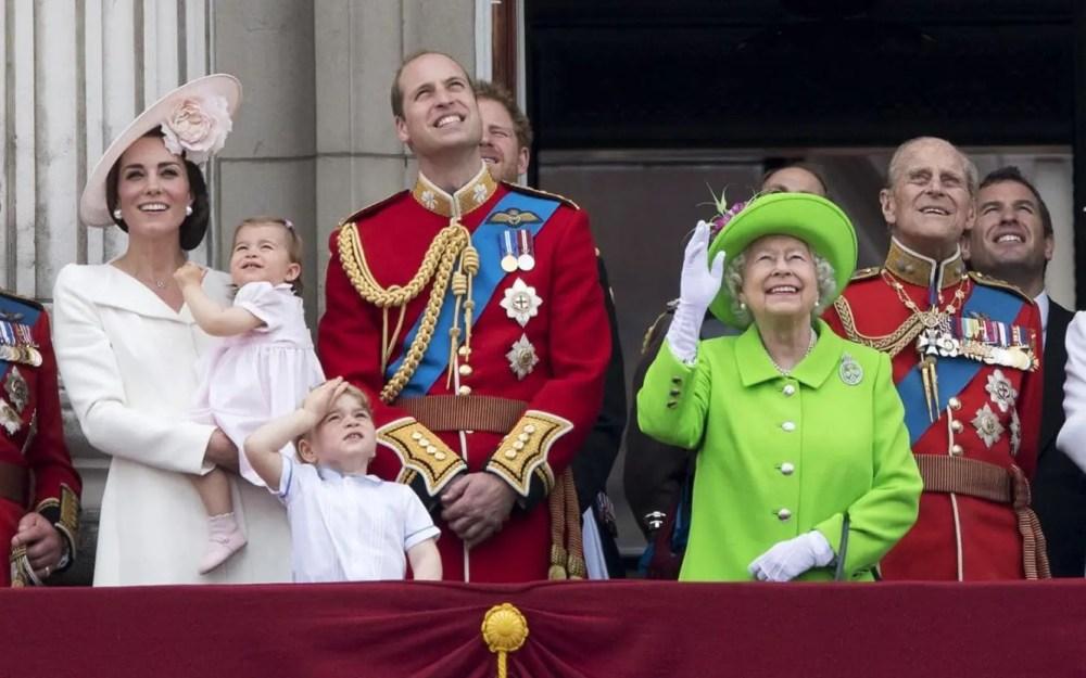 queen-elizabethII-jubilee-her-majesty-credit-rex-runway-magazine