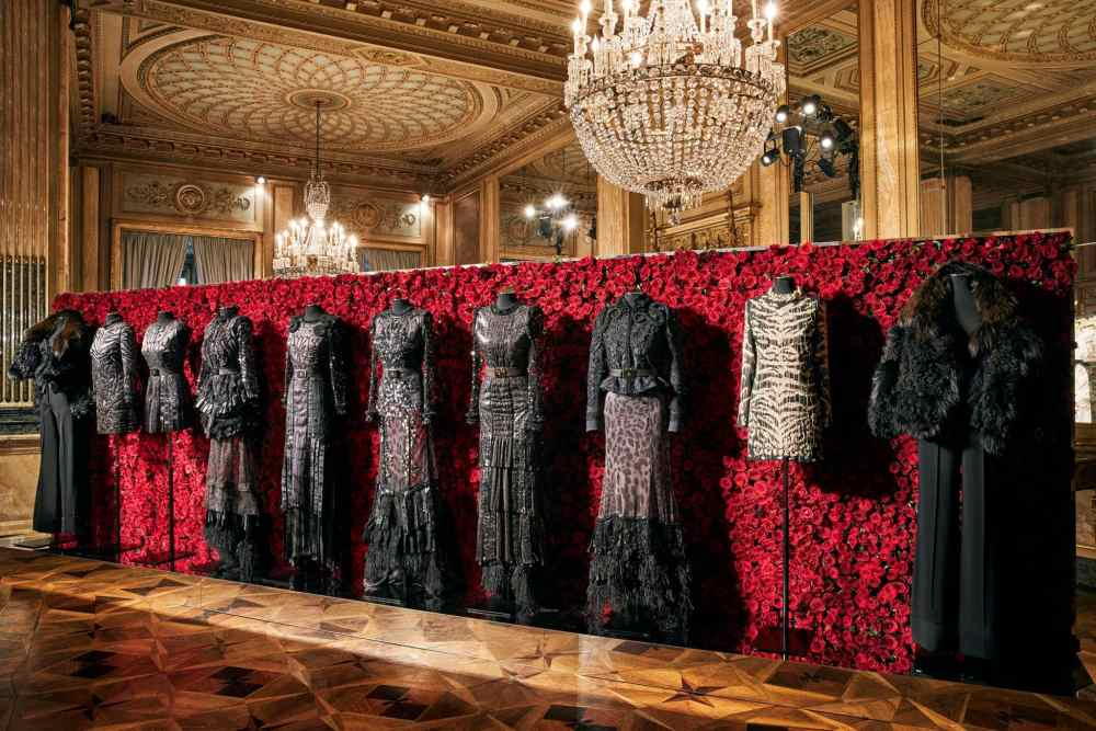 robertocavalli-Fall-winter-2017-italian-fashion-designer-eleonora-de-gray-runway-magazine
