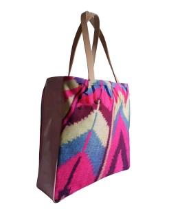 vinyl-leather-bag-pink-model1-2