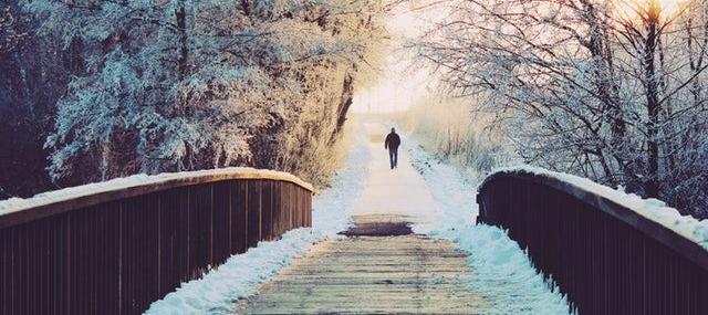 Winterspaziergang - eine gute Alternative zum Laufen bei Erkältung