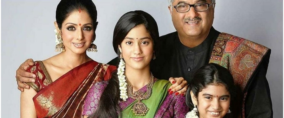 This throwback picture of Sridevi with her family is adorable 1