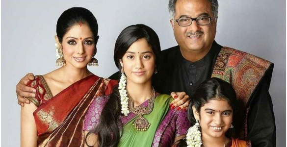 This throwback picture of Sridevi with her family is adorable 6
