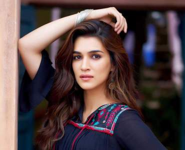 Kriti Sanon lauds decrease in covid-19 cases in Mumbai 17
