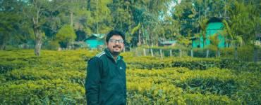 """""""তেতিয়া মোৰ চিনেমা চোৱাৰ লগৰী কেৱল একমাত্র আইতাই আছিল""""- আকাশ চম্লগাই 4"""