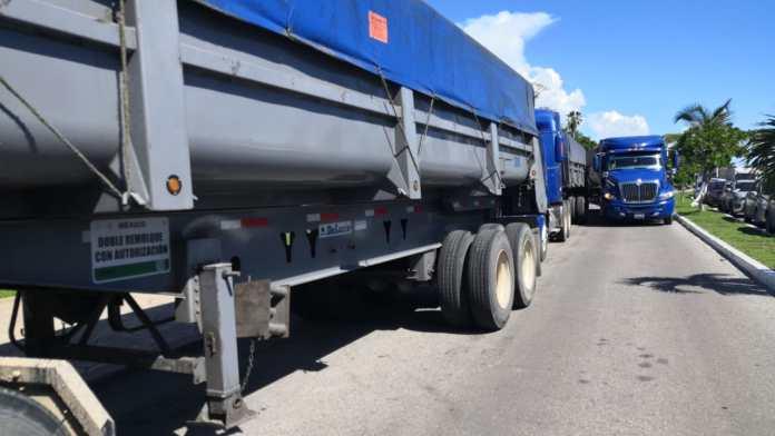 Góndolas con cargamento de 60 toneladas promedio en cada una