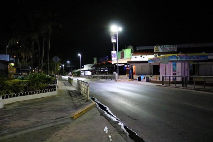 El bulevar Kukulcán, desolado a la altura del Party Center