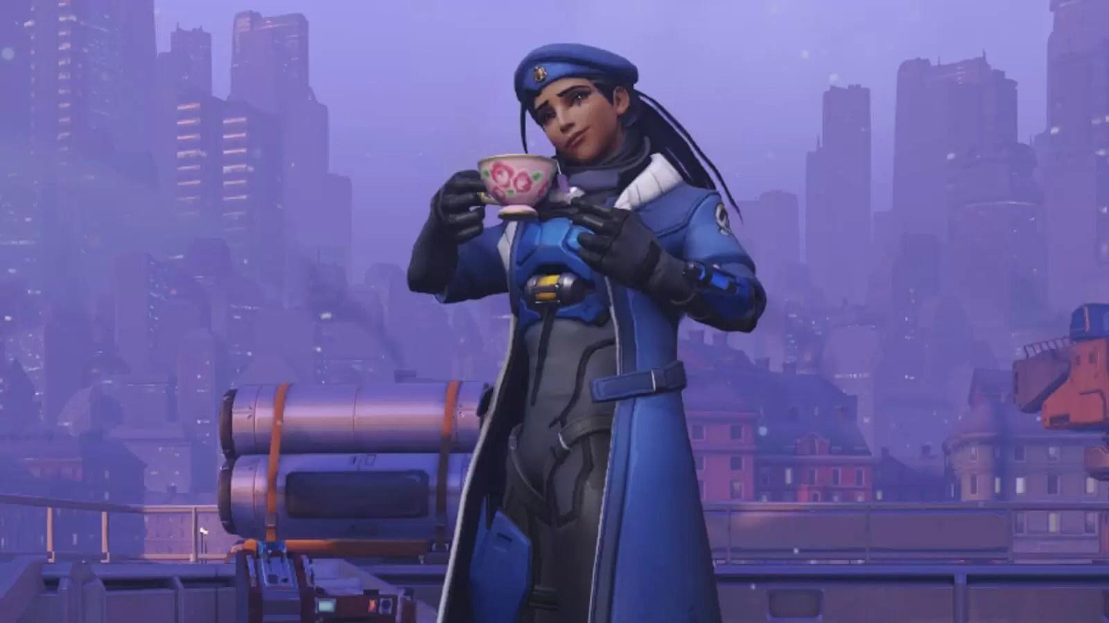 Strimer igra Overwatch sa čajnikom i čajem