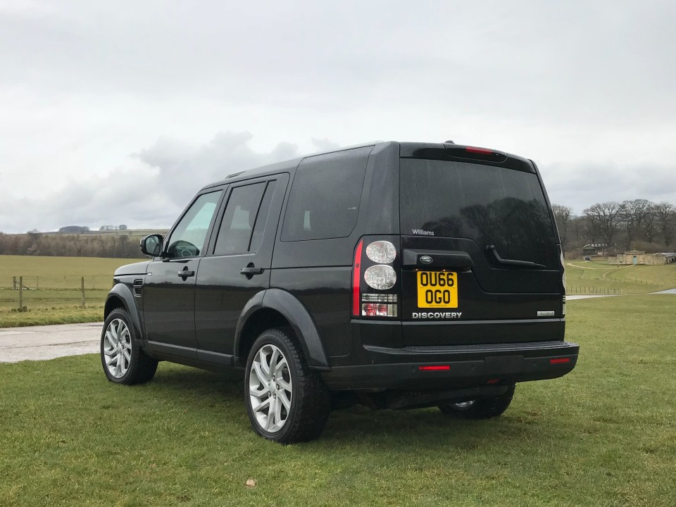 Landrover Discovery in Duncombe Park in North Yorkshire