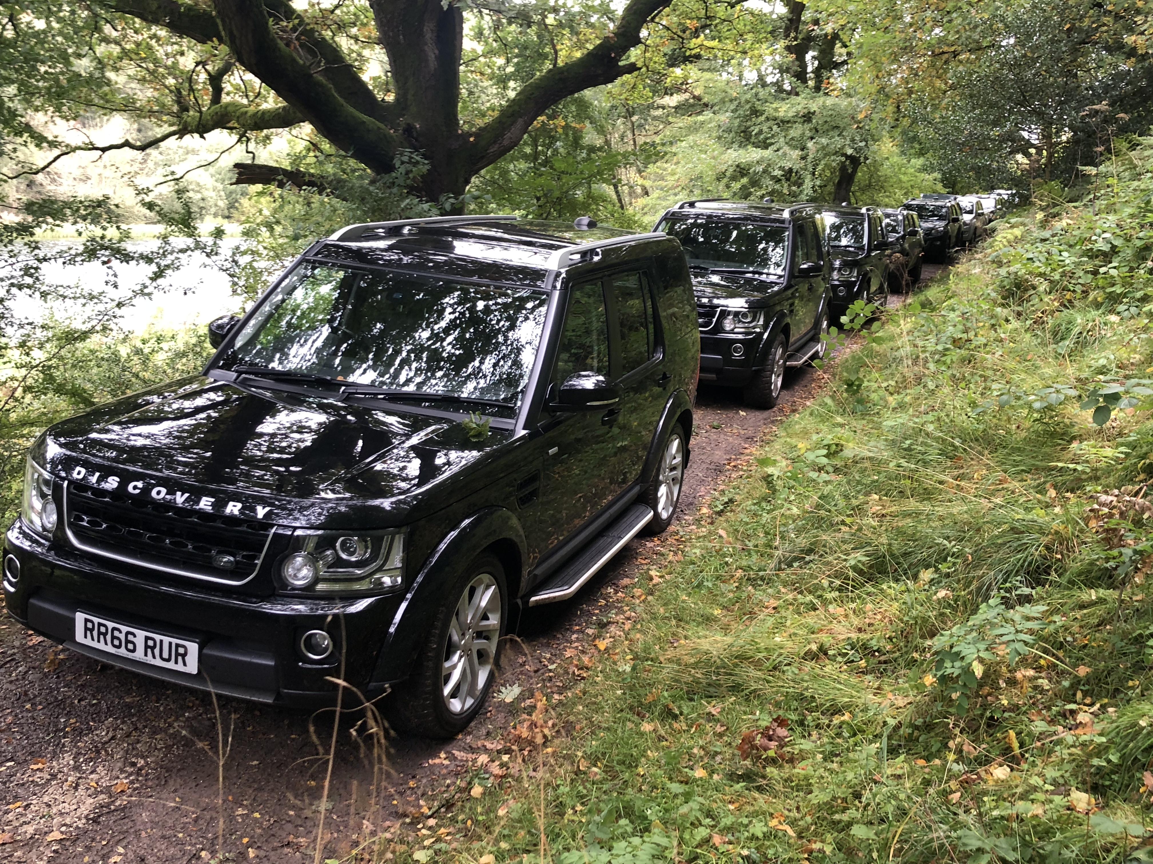 Landrover Discovery convoy in Rievaulx Shoot