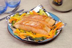 Papelote de salmão assado no forno