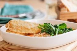 Filetes de pescada com arroz de tomate