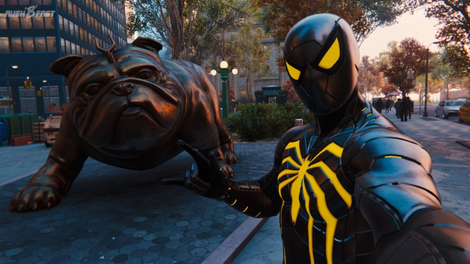 Marvel's Spider-Man - An der Wallstreet: Stier wurde durch eine bekannte Bulldogge (Lockjaw) ersetzt.